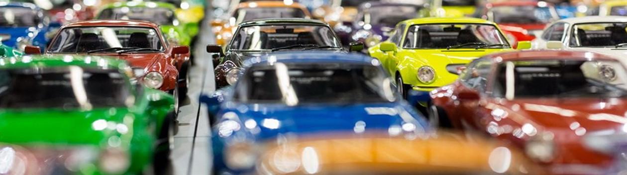 Модели автомобилей в магазине PlushevoToys